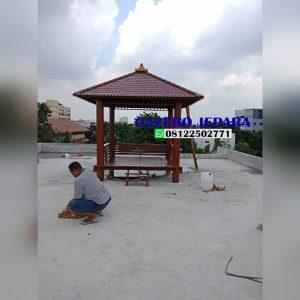 gazebo atap sirap kayu kelapa