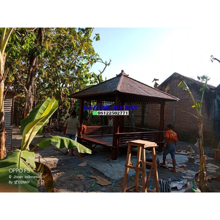 Gazebo kayu kelapa atap