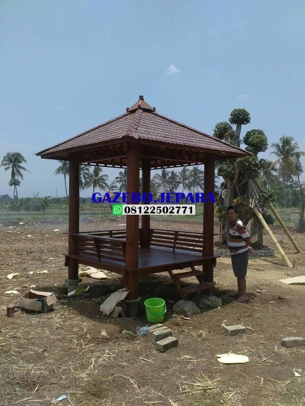 Gazebo taman kayu kelapa